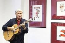 Více než čtyřicet grafik českého výtvarníka, básníka a humoristy Jiřího Slívy představil sám autor na vernisáži v pátek 23. října ve Výstavní síni Pasáž v Přerově.