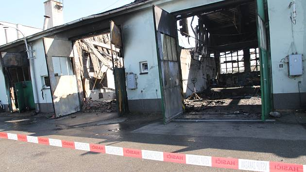 Průmyslový areál v ulici 9. května v Přerově po požáru