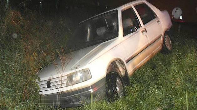 Značně opilá usedla za volant svého vozu třiačtyřicetiletá řidička, která v neděli havarovala v Lipníku nad Bečvou