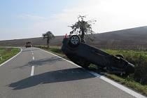 Dopravní nehoda mezi Křenovicemi a Stříbrnicemi.