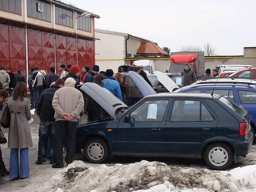 Dražba věcí zabavených při exekuci v Čekyni