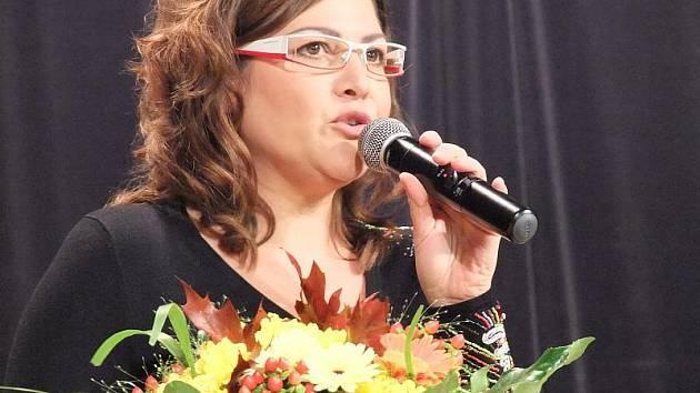 Mikulášské odpoledne pořádala v pondělí Armáda spásy v přerovském klubu Teplo. Spolu se skupinou Imperio vystoupila i zpěvačka Ilona Csáková.