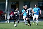 Fotbalisté Želatovic (v pruhovaném) proti Sokolu Určice