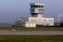 Řídící věž na letišti v Bochoři. Ilustrační foto