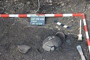 Přerovští archeologové našli v lokalitě u Prioru popelnicové hroby, staré přes tři tisíce let.