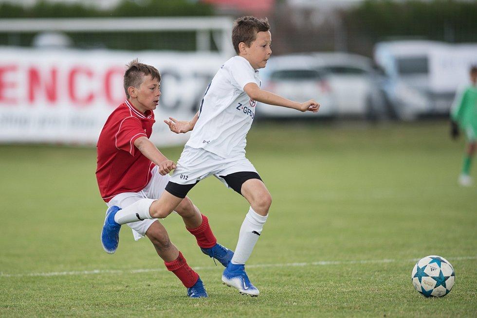 Žákovský memoriál v Želatovicích. FC Slovácko (v bílém) - FC Želatovice