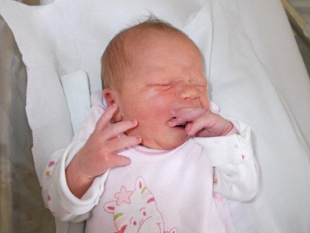 Adriana Mrugalová, Vinary, narozena dne 11. prosince 2015 v Přerově, míra: 49 cm, váha: 3174 g