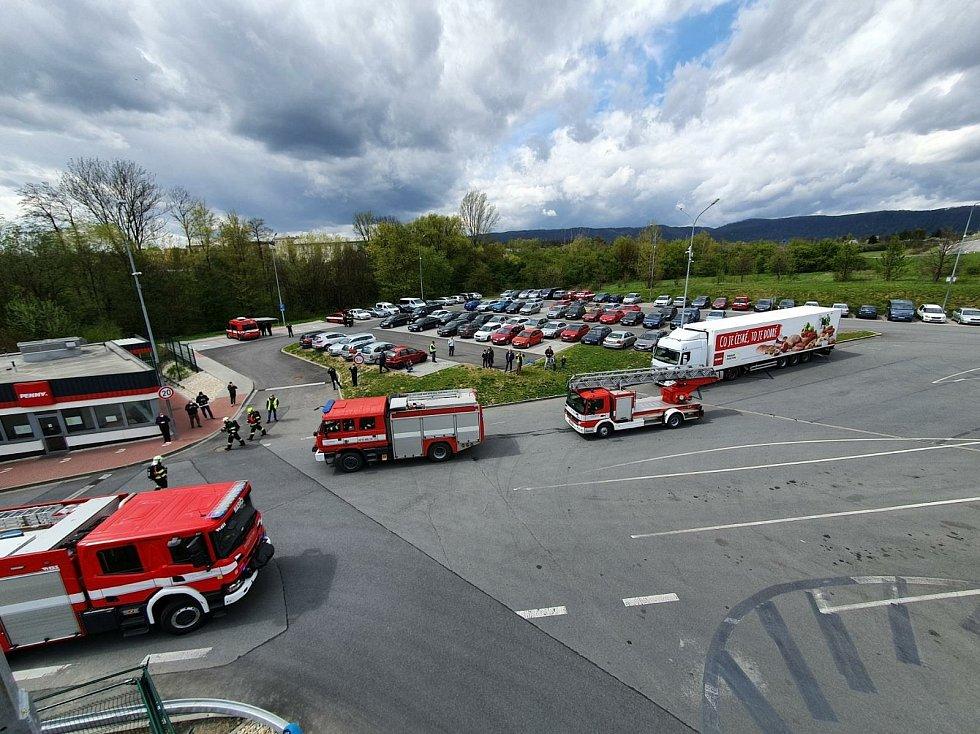 Cvičení hasičů v Lipníku nad Bečvou - 6. května 2021