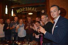 Vítězné hnutí ANO slavilo v sobotu večer úspěch v komunálních volbách v Přerově.