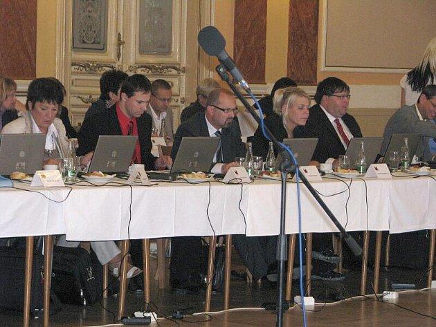 Poslední zasedání přerovského zastupitelstva před volbami