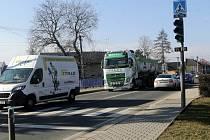 Obcí Kokory prochází hlavní tah Olomouc - Přerov