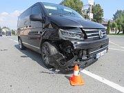 Ke srážce dvou osobních aut vyjížděli ve čtvrtek dopoledne do Vlkoše na Přerovsku policisté.