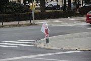 Nápor větru nevydržel také semafor v Komenského ulici v Přerově