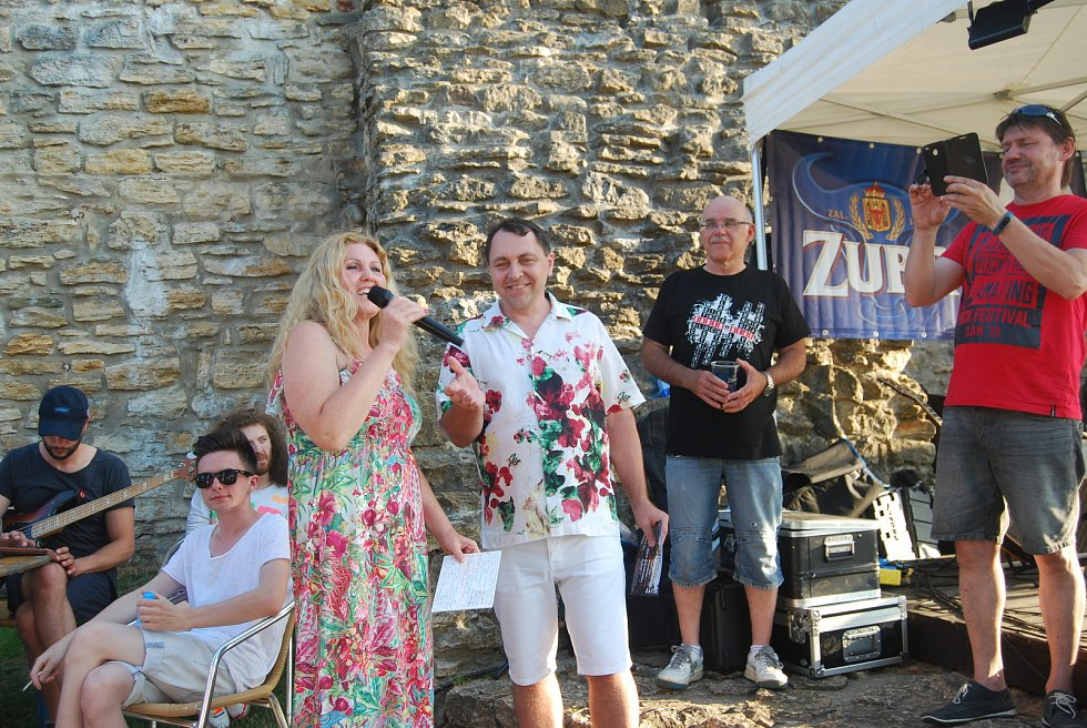 Přerovské Hudební léto na hradbách zahájila polská zpěvačka Ela Debska.