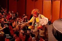 S představení Michal je pajdulák pobavil děti v sobotu 18. února v kině Hvězda známý herec a mim Michal Nesvadba.