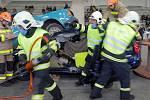 Mistrovství republiky hasičských týmů ve vyprošťování osob z havarovaných aut v pavilonu přerovského výstaviště