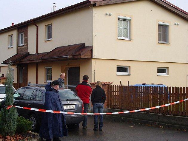 Rodinný dům v ulici U Žebračky, kde bydleli zavraždění manželé