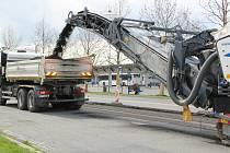 V Přerově se kvůli stavbě průpichu uzavřela frekventovaná Tovární ulice, 3. května 2021