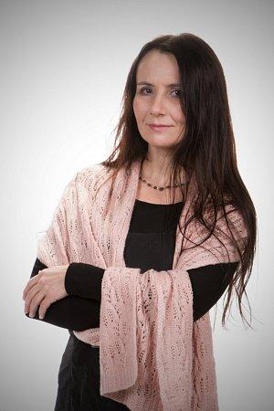 Jednou znominovaných vsoutěži Žena regionu je ipublicistka, novinářka a pětinásobná matka Marie Šuláková zVeselíčka na Přerovsku.