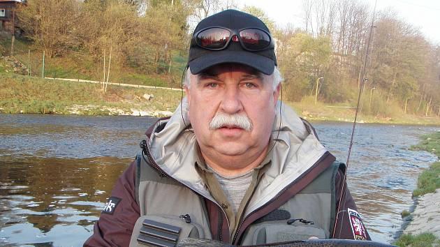 Předseda místní organizace Českého rybářského svazu v Hustopečích nad Bečvou Stanislav Pernický