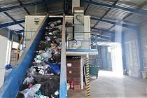V Žeravicích u Přerova je od roku 1995 třídicí linka, která slouží k dotřídění využitelných složek komunálního odpadu, jako jsou papír, sklo, plasty a nápojové kartony. Pro zpracování bioodpadu zde byla vybudována také kompostárna.