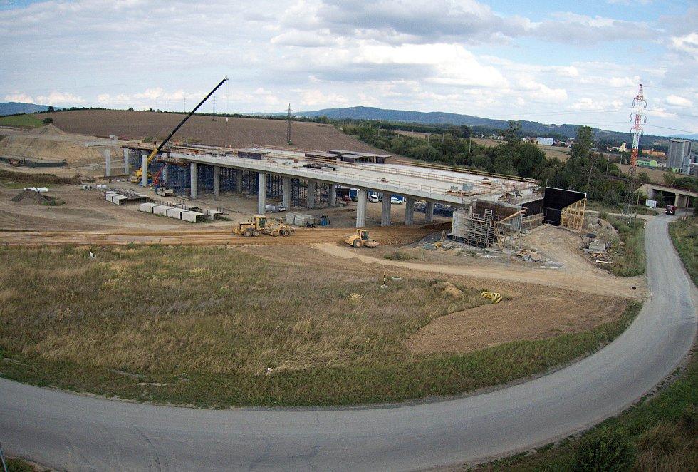 Stavba dálnice D1 u Buku