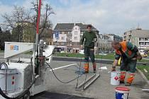 Menších stavebních úprav se dočkalo přerovské parkoviště na Šířavě za kinem Hvězda. Od pátku 8.4.2011 řidiči za stání na této ploše zaplatí