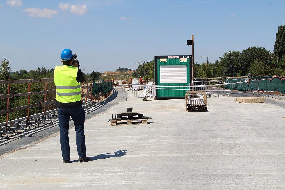 Výstavba úseku D1 u Přerova