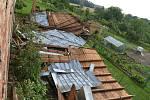 Následky vichru z 28.7.2020 v Tučíně. Podle místních se obcí prohnalo malé tornádo