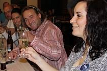 Tým hnutí ANO2011 v přerovské restauraci U Labutě