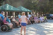 Klienti se zdravotním postižením tráví prázdniny na dětském táboře v Čekyni