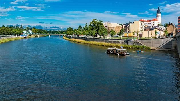 Ololoď Kordulka se vrátila na řeku Bečvu.