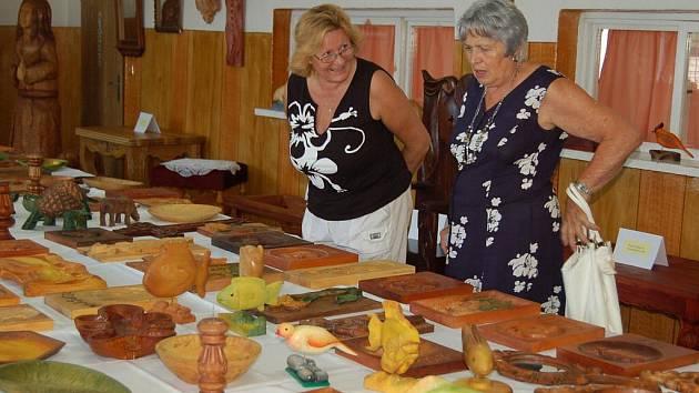 Výstava Střední školy řezbářské v Tovačově