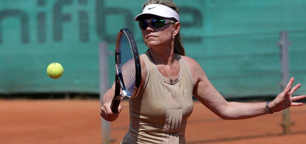 Tenisová akademie 2017 v Přerově.  Leona Machálková