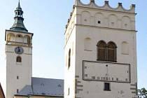 Sluneční hodiny na zvonici v Lipníku nad Bečvou