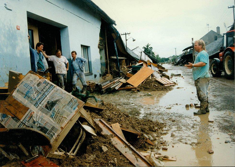Troubky ulice Loučky III. 12.7.1997
