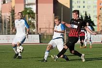 Fotbalisté Přerova (v bílém) proti B-týmu Opavy.
