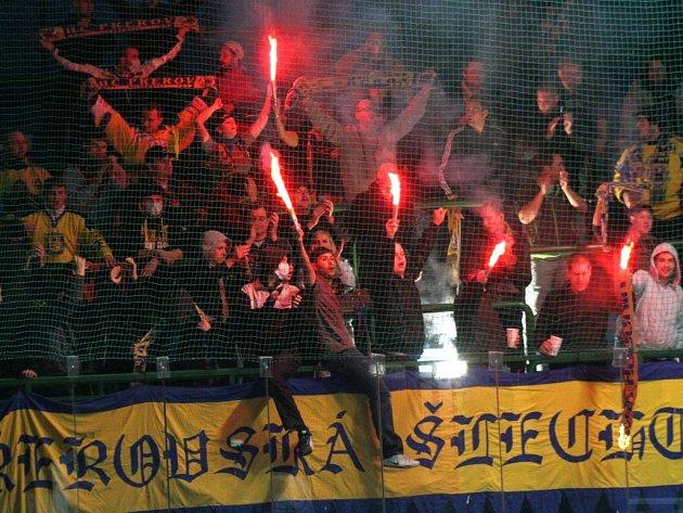 Oslava přerovských fanoušků po vítězném utkání v Hodoníně