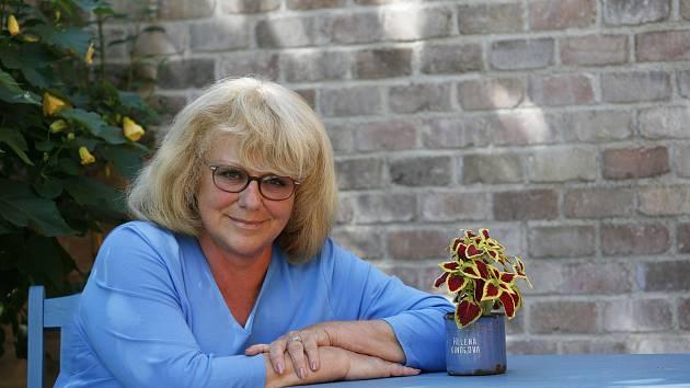 Do Přerova přijede oblíbená herečka a malířka Iva Hüttnerová