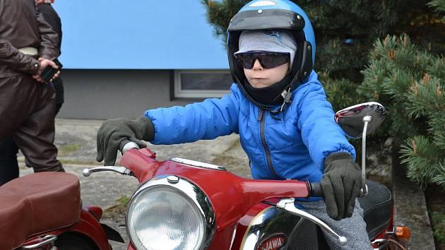 Jarní jízdy zručnosti v areálu přerovských Montáží