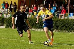 Benefiční fotbalové utkání mezi FK Kozlovice a HC Zubr Přerov skončilo remízou 3:3.