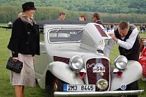 Do časů první republiky se mohli vrátit návštěvníci, kteří v sobotu zavítali na Air-Moto Veteranfest na letiště v Drahotuších.