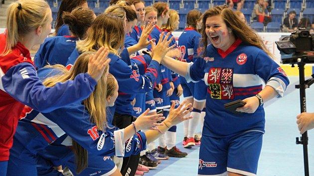 České juniorky do 20 let ve finále Světového poháru v Přerově přehrály Kanadu 4:1 a slavily zisk titulu.