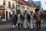 Napoleonští vojáci přenesli obyvatele Dřevohostic zpět v čase a předvedli místním, jak v dobách bitvy u Slavkova vypadalo dobývání zámku či přestřelka hlídek. Nechyběl ani pořádný kanón.
