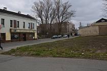 Lokalitu ve Škodově ulici, kterou kdysi hyzdily  zchátralé domy a byla ostudou města, už dnes nic nepřipomíná. Domy byly srovnány se zemí a území čeká revitalizace.