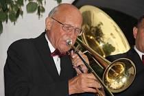 Vzpomínka na muzikanta Otakara Smejkala.