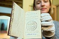 Exkluzivní prezentace prvního vydání Komenského tisku Schola Ludus z roku 1556 v přerovském muzeu - Helena Kovářová komeniolog