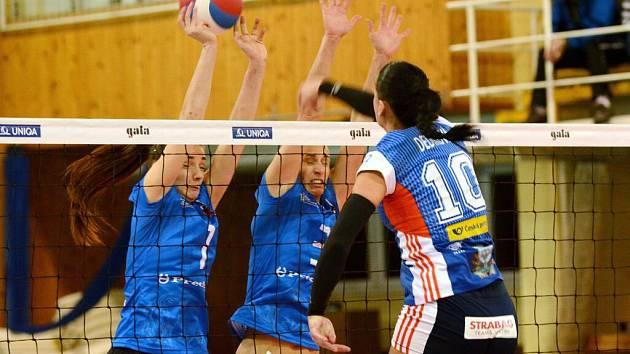 Přerovské volejbalistky proti Olomouci