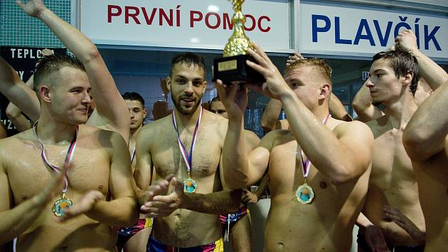 Vodní pólisté KVP Přerov doma ve třetím finále přehráli Stepp Praha 12:6 a zajistili si tak po roce titul mistra ČR