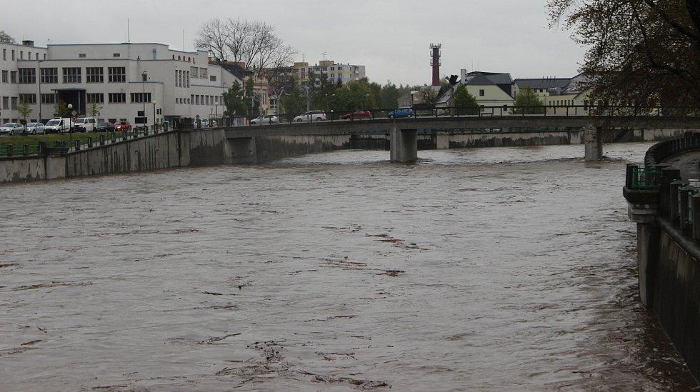 Bečva v Přerově 28. dubna 2017 odpoledne